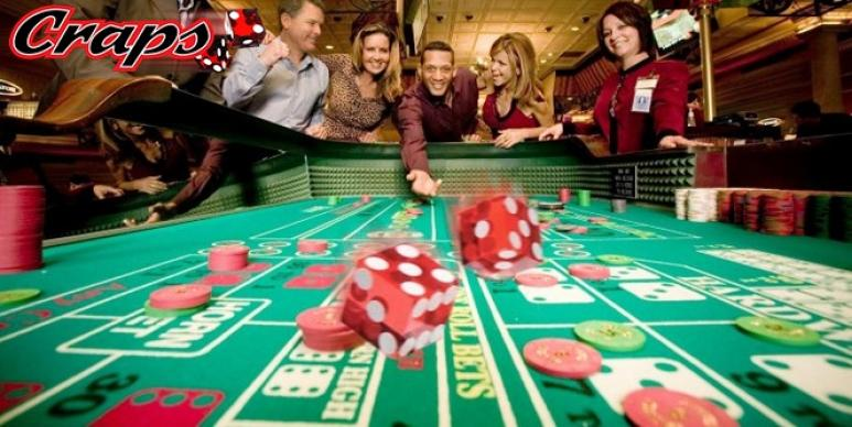 table de craps dans un casino